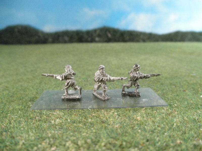 15mm French Colonials: LFA20 Arab Infantry, Bedouins Charging with Rifles