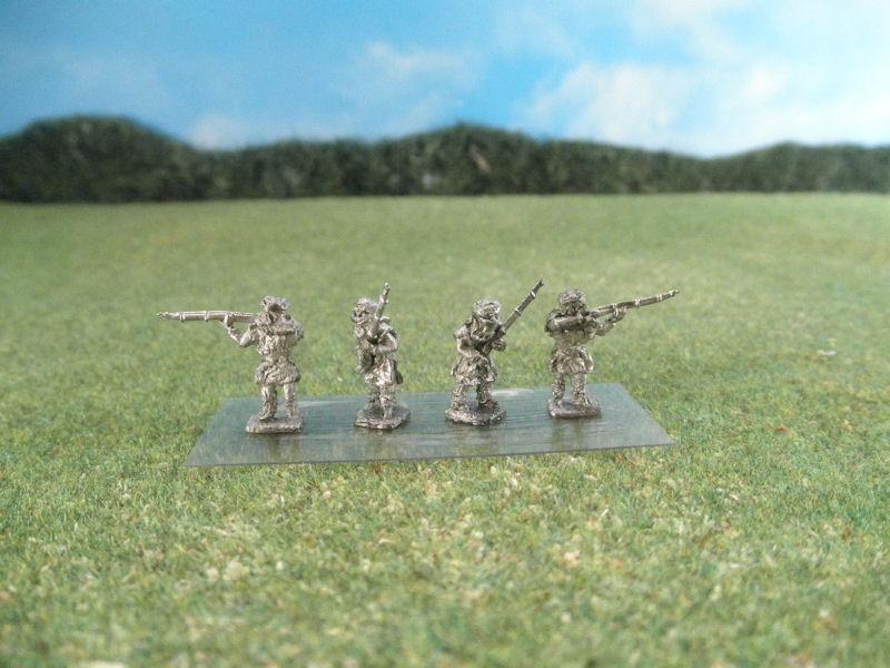 15mm French Colonials: LFA24 Arab Infantry, Tauregs Advancing and Firing Rifles