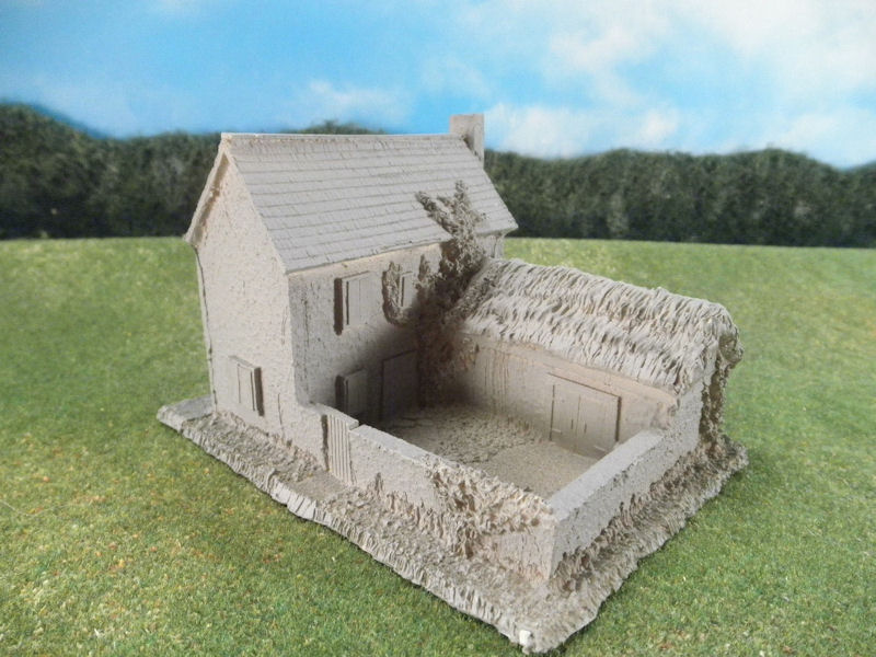 15mm English / European Buildings: TRF365 Manor House, Stable, and Courtyard