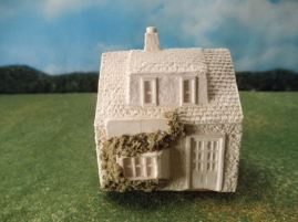 25mm European Buildings: TRF554 Village Shop with Living Quarters Above