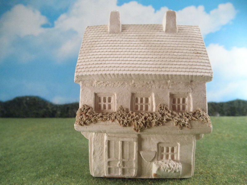 25mm European Buildings: TRF555 Large 2 Story Pub
