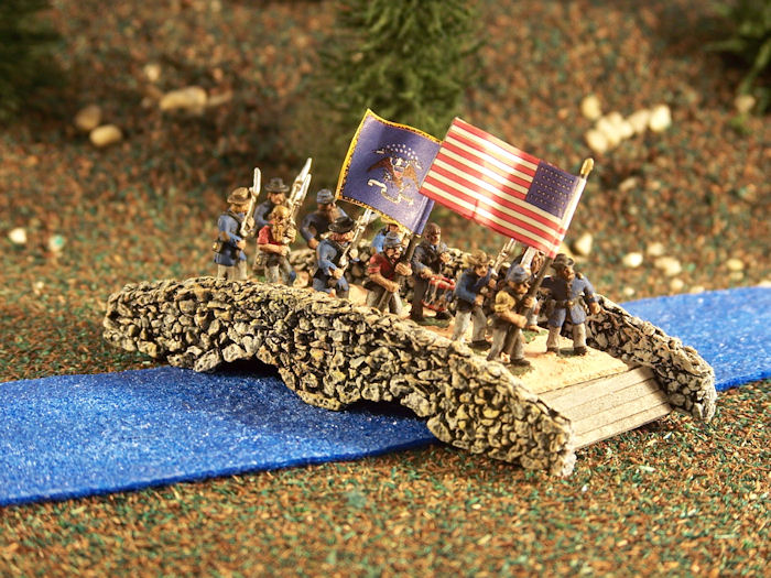 TRF62 Double Arched Stone Bridge with Stone Mountain Miniatures 15mm ACW Figures