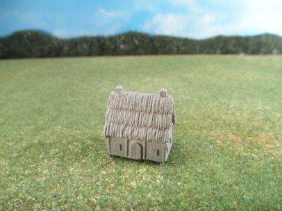 6mm European Buildings & Terrain: TRF908 Stucco Farm Houses with Thatched Roof
